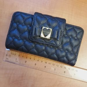 Betsey Johnson - black quilted heart wallet ❤